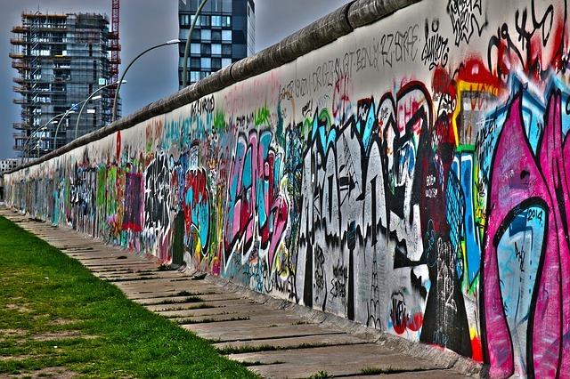 berlin-wall-ateliers-du-deluge