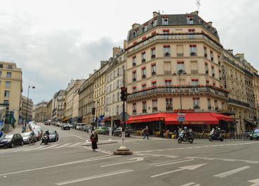 @Francisco-Anzola-Rue_des_Ecoles,_Paris_1_June_2014-1